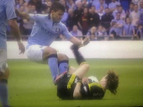Aguero Horrific Challenge on Luiz