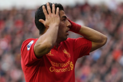 PICTURE – Suarez Confused What has Happened to Liverpool