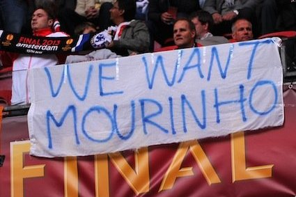 Chelsea fans want Mourinho