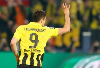 Why Arsenal Lead Man City in the Race to Sign Lewandowski