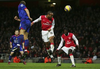 Arsenal Classic – Henry Flattens Ferguson in Injury Time