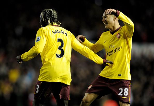 Sagna Gibbs Arsenal