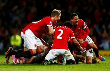 Van Persie Under United players